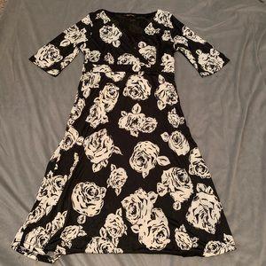 Reborn Black White Rose Floral Dress EUC Size L